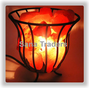 Salt Iron Basket Lamp